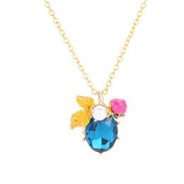 d4f36a3a47ad Collares de abeja Vogue Luxury Collar de cristal elegante Productos Miel de  abeja clásica Collar colgante de flor de perla de imitación
