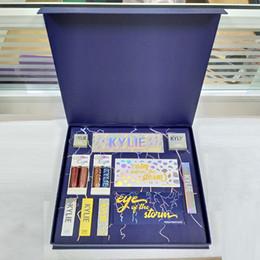 2018 Nuevo conjunto de maquillaje caliente The Weather Collection Bundle Flash Glitter Brillo de sombra de ojos Highlighter Lipstick Storm Conjunto completo envío de DHL