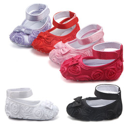 3b47cc61f Baby Girls Princess Shoes Infant Toddler Crib Kids Prewalker Rosas Flores  Bowknot Soft Soled Zapatos antideslizantes 0-18M