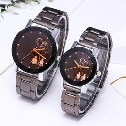 Wholesale Relogio Couples Watch King Queen Full Steel Quartz Watch Mens Ladies Fashion Sport Clock Men s Watches Women s Watches Gifts