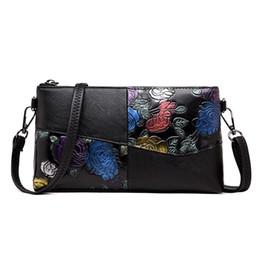 770804bb9 Embragues del día Flor pintada a mano Bolso bandolera de mensajero de las  mujeres de lujo Bolsos de mujer Diseñador de la madre bolso de embrague Sac