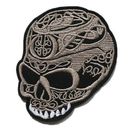 $enCountryForm.capitalKeyWord Australia - Embroidered Skull Teeth Patch Sew Iron On Brown Punk Badge For Bag Jeans Hat Appliques DIY Handwork Sticker Decoration Apparel Accessories