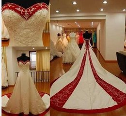 $enCountryForm.capitalKeyWord Australia - 2017 New Fashion Embroidery Wedding Dresses Plus Size Sweetheart Traditional Red and White Bridal Gowns Vintage Custom Made Corset Back