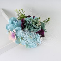 Wholesale 13cm cm New Lady Cocktail Hair Accessories Bride Sinamay Top Hat Fabric Flower Mesh Fascinator Clip Wedding Party Headdresss