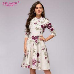 78c5351ac4081 S.FLAVOUR Femmes Casual genou Longueur A-ligne robe 2018 vente chaude  impression trois quart manches vintage robes hiver bas robe