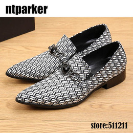 $enCountryForm.capitalKeyWord Canada - Italian Style Men Loafers Weave pattern Western Men Leather Shoes Fasion Pointed Toe Business Dress Shoes men Designer Shoes Big Size 38-46!