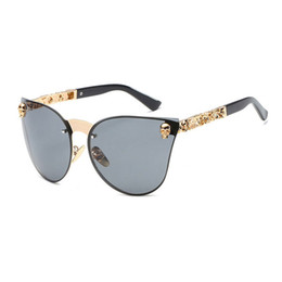 New Fashion Female Sunglasses Canada - 2018 New Fashion Skull Sunglasses Men Vintage Oversized Rimless Mirror Cat eye Unique Sun Glasses For Female wholesale