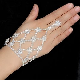 $enCountryForm.capitalKeyWord Australia - Wedding Jewelry Rhinestone Finger Ring Hand Harness Hand Harness Bangle Bridal Finger Ring Hand Bracelets
