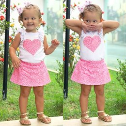 8f0989ce74f43 Ins Baby girl Sweet heart Tops volantes manga + falda 2 unids Conjuntos de  ropa Baby girls clothes 2018 Verano