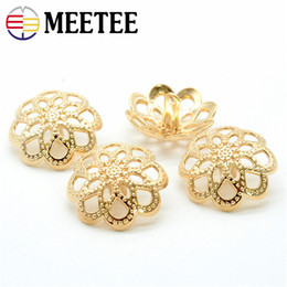 $enCountryForm.capitalKeyWord Australia - MEETEE 10pcs Xquisite Flowers Buttons Upscale Coat Button Coat Windbreaker Coat Suit Buckle Sweater Decoration Clothes Buttons