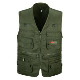 Chinese  Men's Vest Sleeveless Multi Pocket Camera Vest Travelers Photography jacket Men's Clothes Waistcoat manufacturers