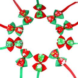50 pc / lot Christmas Holiday Dog Bow Ties lindo cuello de corbatas Pet Cat Dog Cat Ties Accesorios de regalo Aseo suministros P88