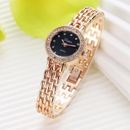 $enCountryForm.capitalKeyWord Australia - Gold Watch Women Luxury Crystal Bracelet Watch Fashion Quartz Wristwatches Relojes Mujer 2018 Diamond Bracelet Dress Ladies