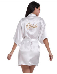Wholesale Women Bathrobe Letter Bride Bridesmaid Mother of the Bride Maid of Honor Matron Get Ready Robes Bridal Party Gifts Dressing Gown