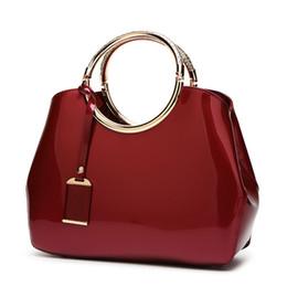 4658bbeff7b37 Rote Brauttasche 2018 neue stilvolle glänzende Lackleder Damen Messenger  Tasche Joker Schulter Handtaschen