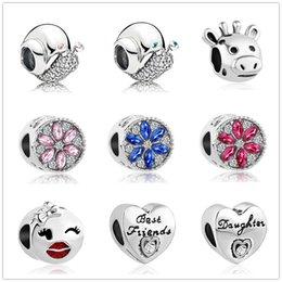 O envio gratuito de estilo ocident flor contas de cristal presentes para amigos fit pandora encantos das mulheres dos homens diy pulseira de jóias ZY012 venda por atacado