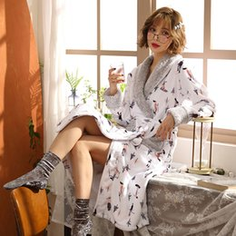 Long Bathrobes Women Robe printing Winter Warm Long Sleeve Flannel Robe  Female Sleepwear Homewear Pyjamas Women Nightdress 9dc422e5b