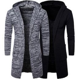 Vente en gros 2018 Hot Sale Hommes à capuchon épais cardigan pull manteau Pull en tricot coupe-vent simple et mode Mens Outdoor vêtements décontractés