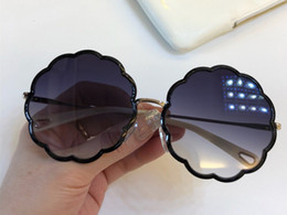 Full Face shield online shopping - Luxury Sunglasses For Women Fashion Designer Irregular Flowers Frame UV400 Len Summer Style Favorite Type Designer Face Come With Case