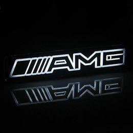 Großhandel 1pcs AMG Emblem-Abzeichen-Aufkleber führte hellen vorderen Grill-Grill für Mercedes Benz freies Verschiffen