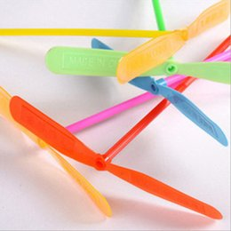 Dragonfly Helicopter Toy NZ - 5pcs Novelty Plastic Bamboo Dragonfly Propeller Outdoor Flying Helicopter Toys for Kids Small Gift Party Favors for Children ZM