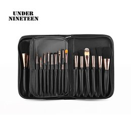 Wholesale Under Nineteen Popular Professional Cosmetic Bags For Makeup Brushes PU Women Travel Makeup Organizer Bags Ladies Gifts