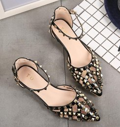 Discount shoes stone sandals - Zapatos Mujer Color Rivets Spiked Gladiator Flat Sandals Stones Studded Flip Sandal Big Size Designer Women's Cheap