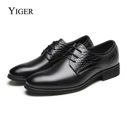 leather lace free shipping Canada - YIGER NEW Man Dress shoes Genuine Leather Lace-up Men Business shoes Men wedding Black Brown Point Toe free shipping 0139