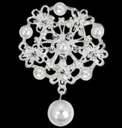 Argent Plaqué Or Cristal Perle Fleur Corsage Broches Broches pour Femmes Mariée Robe De Mariée Écharpe Clips Sac Bijoux Cadeau De Noël