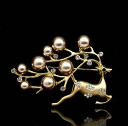 silver scarf clip NZ - Lovely Animal Little Fawn Brooches High Quality Crystal Pearl Corsage Gold Silver Plated Scarf Clips Suit Dress Accessories Jewelry
