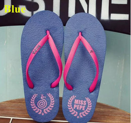 $enCountryForm.capitalKeyWord Australia - Wholesale Free Shipping Special SALES Candy colors Womens Beach Summer Slippers Flip Flops Couple slippers Multi -Color pink dog slippers