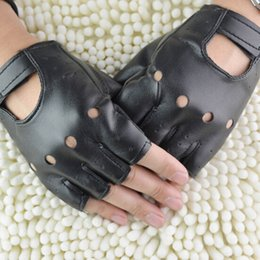 Hollow Fingers Australia - New 1 Pair Man Fashion PU Leather Black Half Finger Gloves Cool Heart Hollow Fingerless Gloves Boy for Fitness