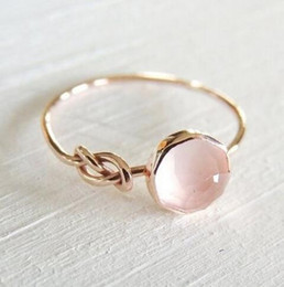 $enCountryForm.capitalKeyWord NZ - Hot Sale Pink Crystal Moonstone Rings European Fashion Female Creative Knot Rings Plated Rose Gold Color Jewelry