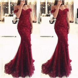 dress suits 2019 - New Elegant Off the Shoulder Beaded Mermaid Mother Dresses Short Sleeves Lace Appliques Floor Length Formal Evening Prom