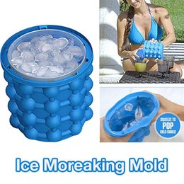 China 13x14.5cm Ice Cube Maker Genie The Revolutionary Space Saving Ice Cube Maker 3D Grenade Mold Ice Genie Kitchen Tools suppliers