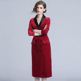 41772ab436567 Nuevos vestidos de terciopelo para mujer Primavera otoño Vintage Cuello  alto cuello en V Manga larga Negro Rojo Vestidos de fiesta delgados