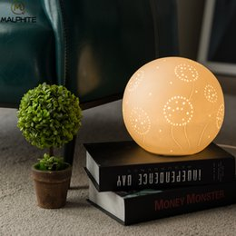 $enCountryForm.capitalKeyWord Australia - Novel White Circular Ceramic table lamp For Living Room Simple Table Lamps Wedding Deco Home Deco Lighting Luminaire Table