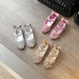 $enCountryForm.capitalKeyWord Canada - Gold Girls Kids Children Rhinestones Princess Sandals Stage Dance Wedding Dress Party Shoes For Girls Baby Single Shoes New 2018