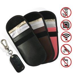 RFID Engelleme Anahtar Fob Kılıfı Çanta Cep Telefonu Radyasyon Koruyucu RFID / WiFi / GSM / LTE / NFC Antitheft Araba Anahtarları Kredi Kartı Koruma