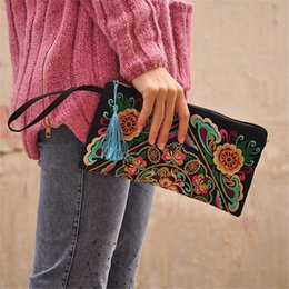 $enCountryForm.capitalKeyWord NZ - Ethnic Style Embroidered Clutch Bag Fashionable Wallet Embroidered Day Clutches Wallet Storage Casual For Women Top-handle Bags