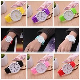 mulheres homens relógio de Genebra Silicone Agulha de borracha Relógios de pulso relógios de gelatina Esporte Casual Relógio de pulso 12 cores KKA3943