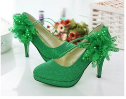 Christmas Tables Canada - Free send Hot New style wedding bride shoes red green bridesmaids high heels waterproof tables wedding shoes.