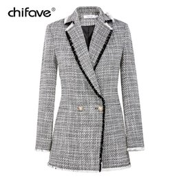 5aea6a713f1 2018 Мода chifave осень плед твидовый белый блейзер женщины старинные  небольшой ароматный длинное пальто женская куртка офис леди плюс размер  S18101303