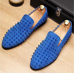 3d4cb7102393a 2018 New Style Runway Fashion Top Quality Red Sole Men Shoes Blue Sequin  Spikes Men Loafers Rivets Casual Dress Shoes Men Flats Suede G141