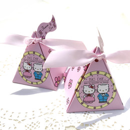 6d6821afcd2c 50pcs 7.5 7.5 7.5CM Pink Hello Kitty Candy box Wedding Sweets Gift Favor  Birthday Party Boxes With Ribbon girls presents holders