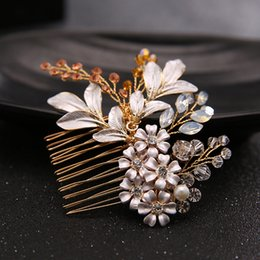 $enCountryForm.capitalKeyWord Australia - Bridal Hair Combs Handmade Leaf Flower Crystals Beading Hair Accessories Cheap Bridal Jewelry Hair Tiaras New Bridal Hairpieces Wholesale