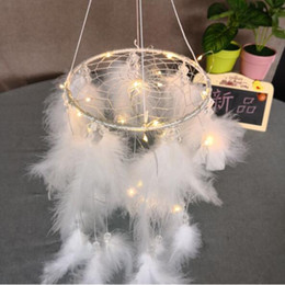 Chinese  New Creative White Round Dream Catcher Feather Handmade Exquisite Dreamcatcher With String Light Wall Pendant Novelty Items CCA10387 20pcs manufacturers