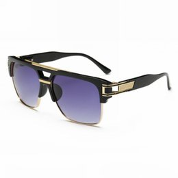 ffdb8fce50e70 Retro Pilot Style Sunglasses For Men Women Acetate   Gold-Tone Metal Square  Frame Gradient Lenses Glasses Eyewear
