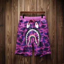 Luxus Sommer Shorts Marke Männer Strand Hosen mit Shark Shorts Camouflage Fashion Designer Hosen Buchstaben Knielänge lose Hose M-XXL