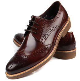 Chinese  New Brogue Designer 100% Genuine Leather Patchwork Business Dress Men Shoes Classic Fashion Mens Shoes Casual Oxfords manufacturers
